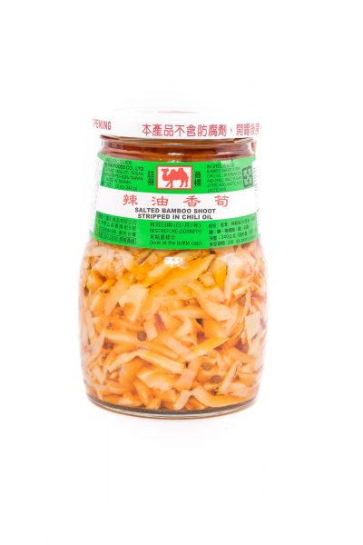 Ji Xiang Ju Gezouten bamboescheuten reepjes in chili olie